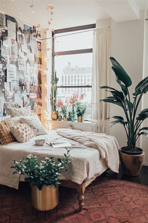 Bright Bedroom With Collage Wall Decorations | Home Design