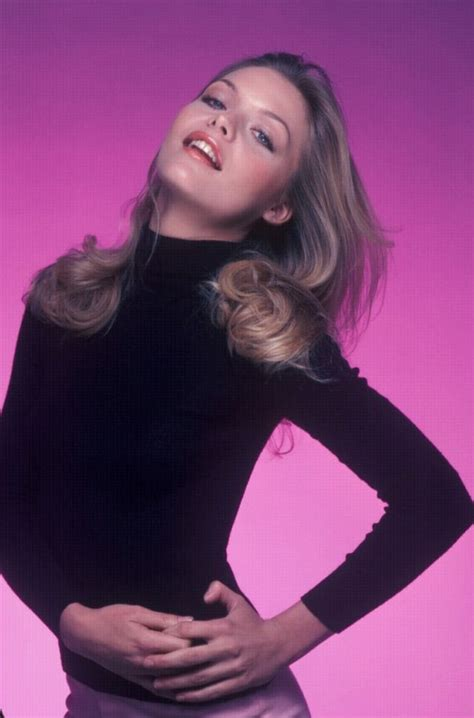 25 Fascinating Photographs of a Young Michelle Pfeiffer in