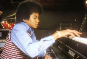 Piano Boy   Michael Jackson: Intimate Photos From the King