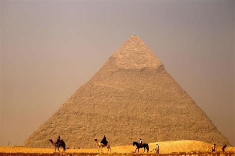 Experts reveal new discovery at Egyptian pyramids | Middle