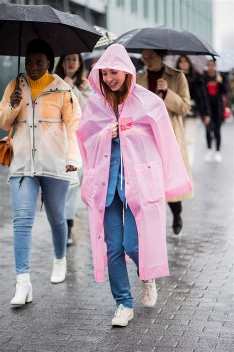 Rainy Day Outfit Ideas - What to Wear When It Rains
