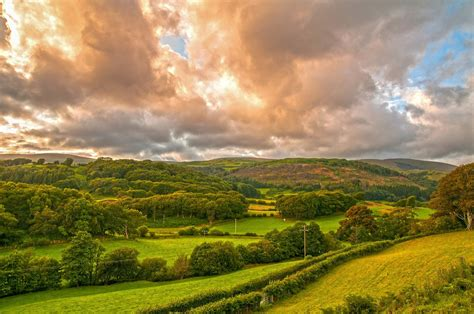 Clouds over Wales Landscape HD Wallpaper   Achtergrond
