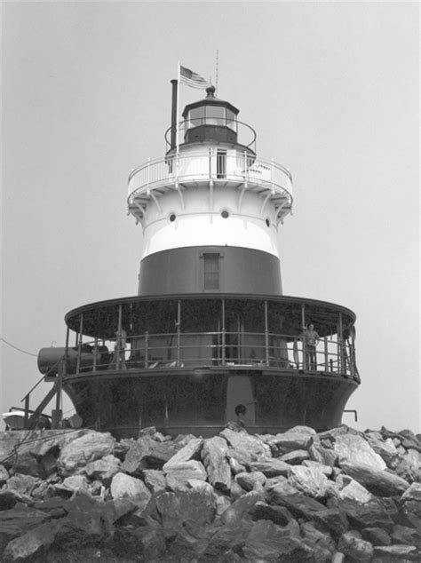 Old Orchard Shoal Lighthouse, New York at
