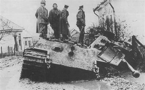 """Soviet officers on destroyed heavy tank """"King Tiger"""""""