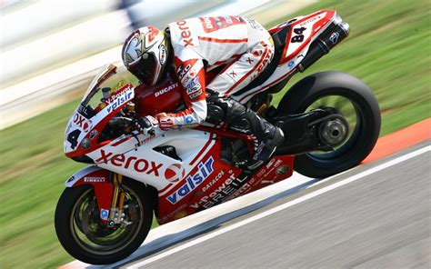 Kyalami latest: Fabrizio sets the pace, Rea goes second   MCN